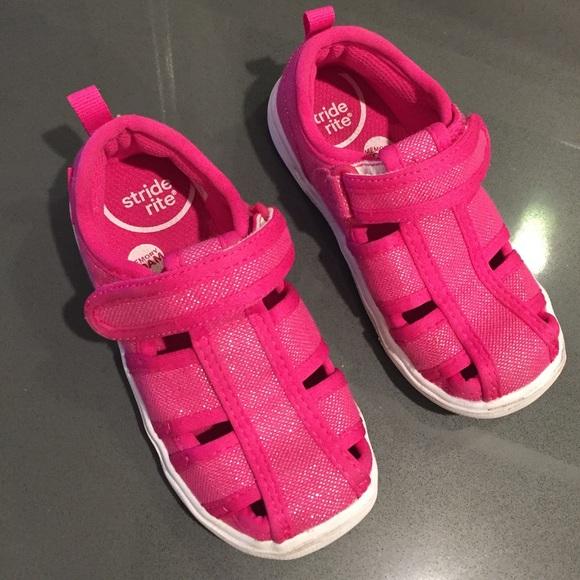 cdf9a4124c51 Stride rite memory foam Sandals with Velcro. M 5c511dd16197457c87e0a435